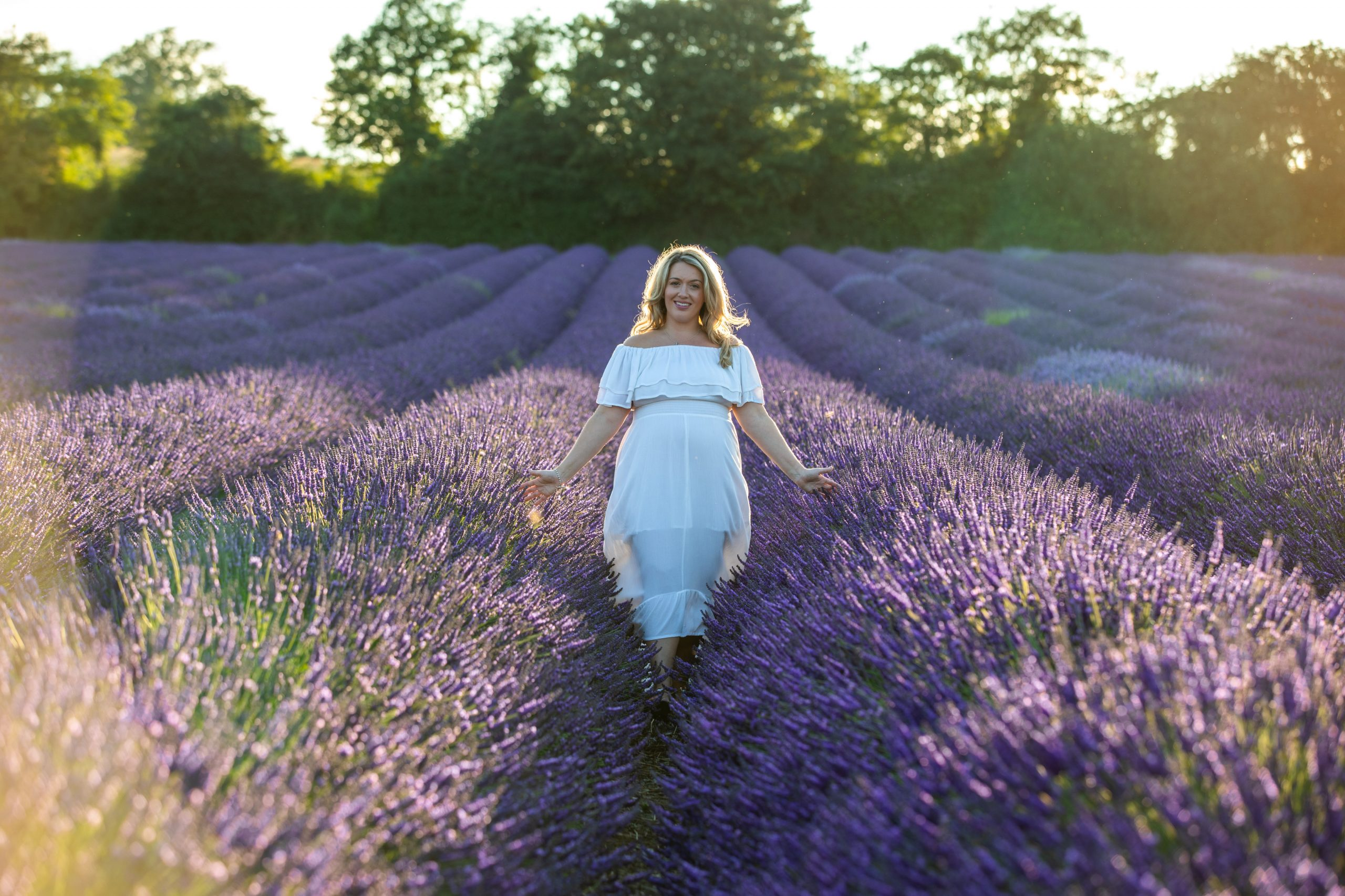 Gold hour maternity shoot in Kent