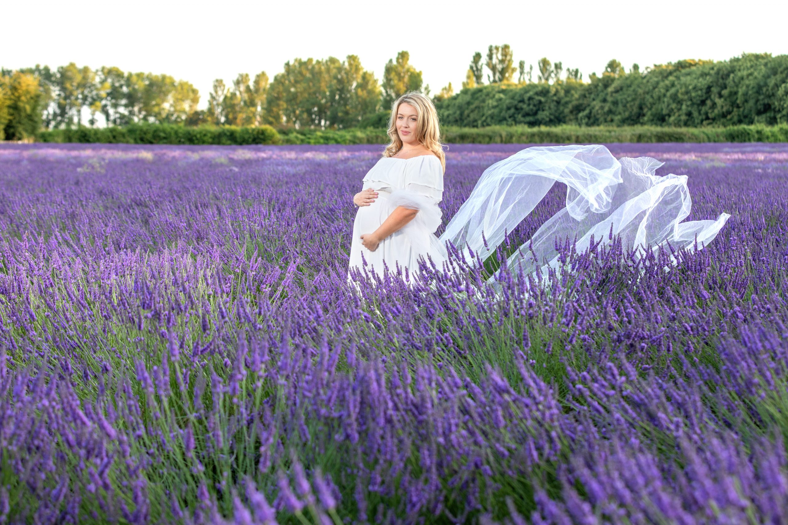 Kent maternity photographer